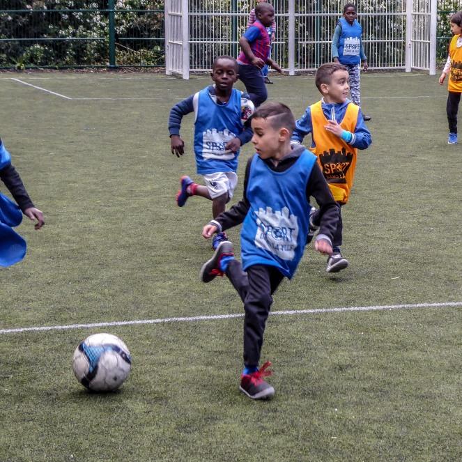 Entrainement sport dans la ville Sofiane