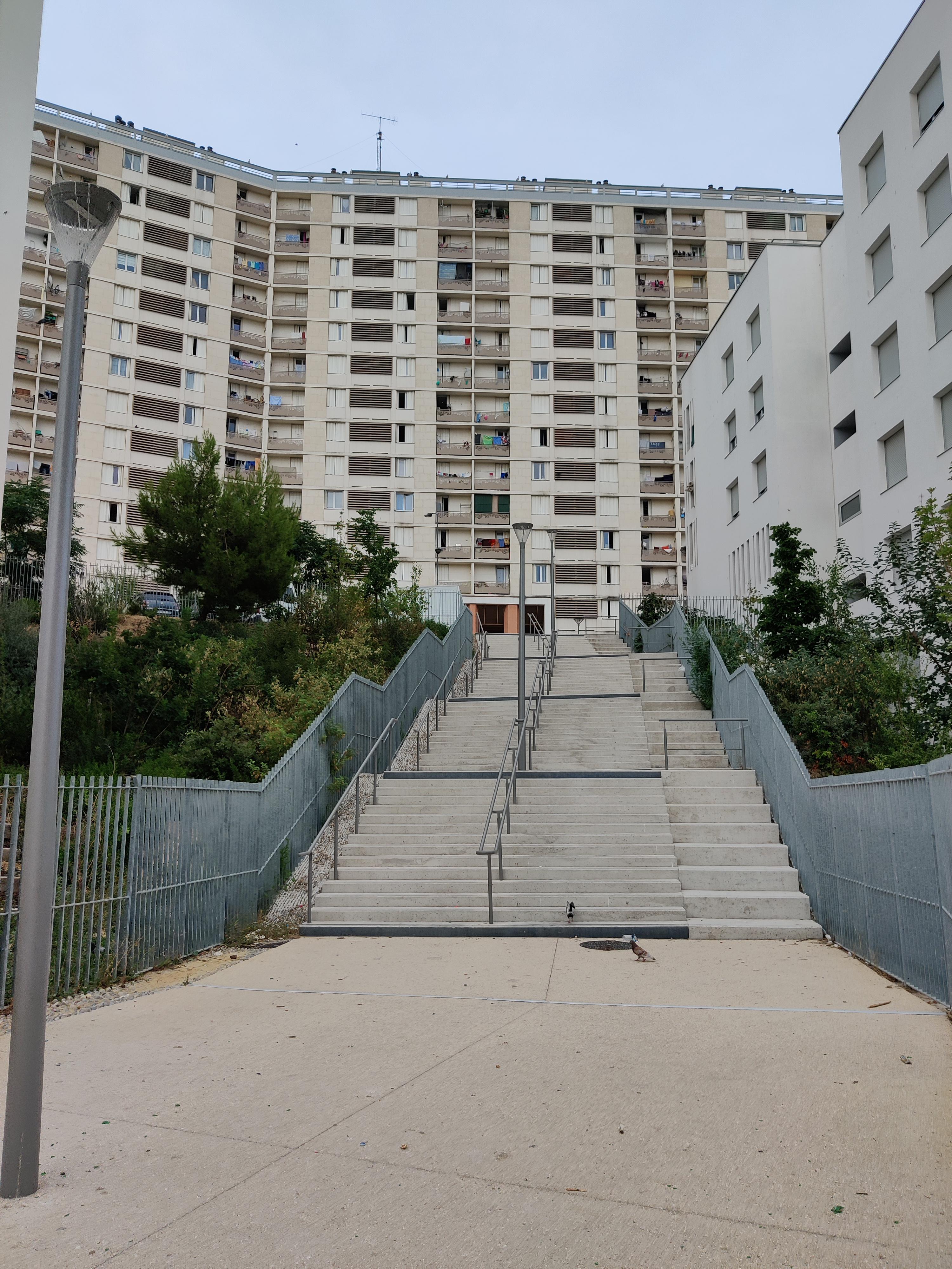 Chemin du retour cité de bellevue Massabielle Marseille
