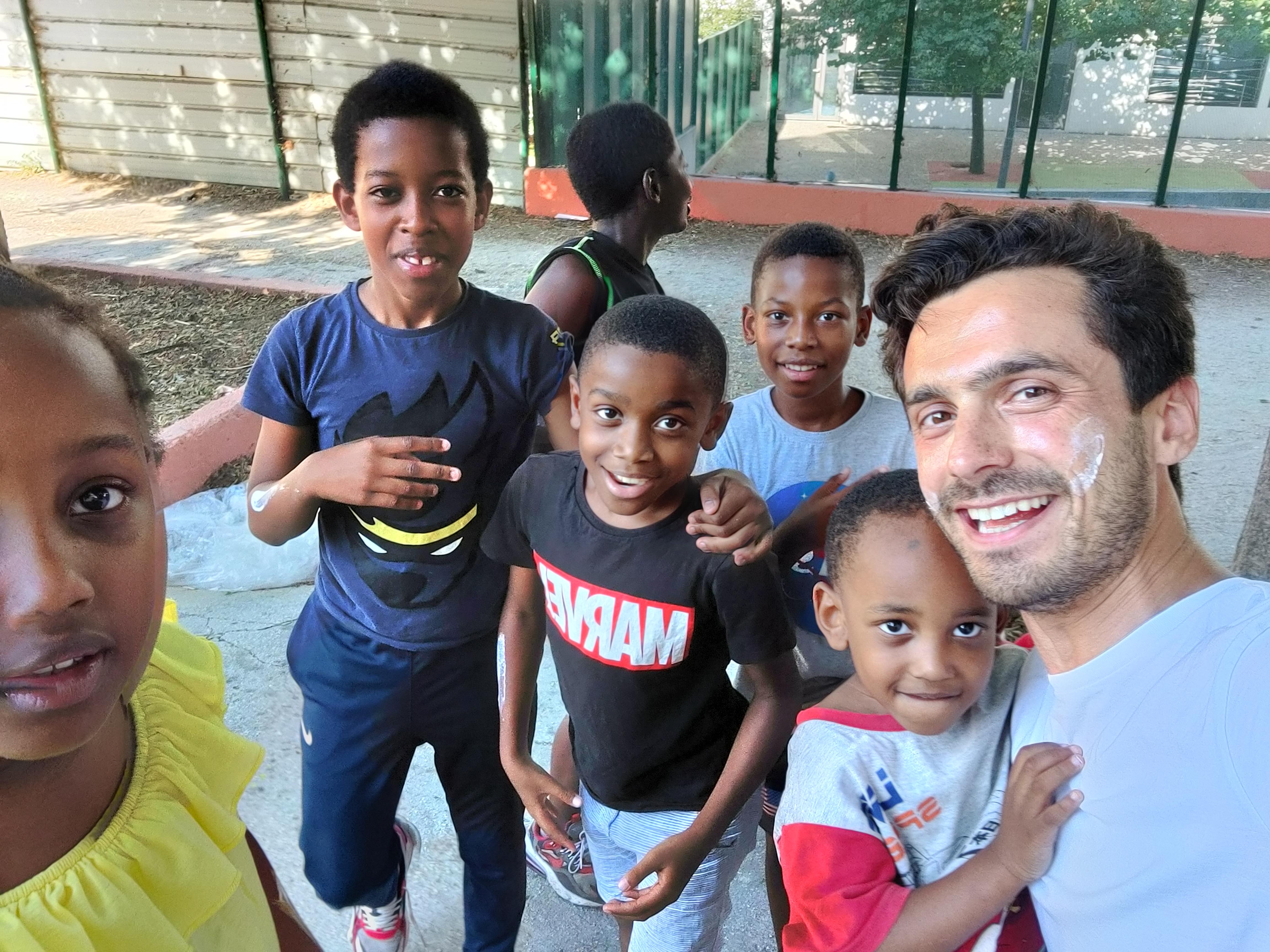 Team jeune cité Bellevue quartiers Nord Marseille