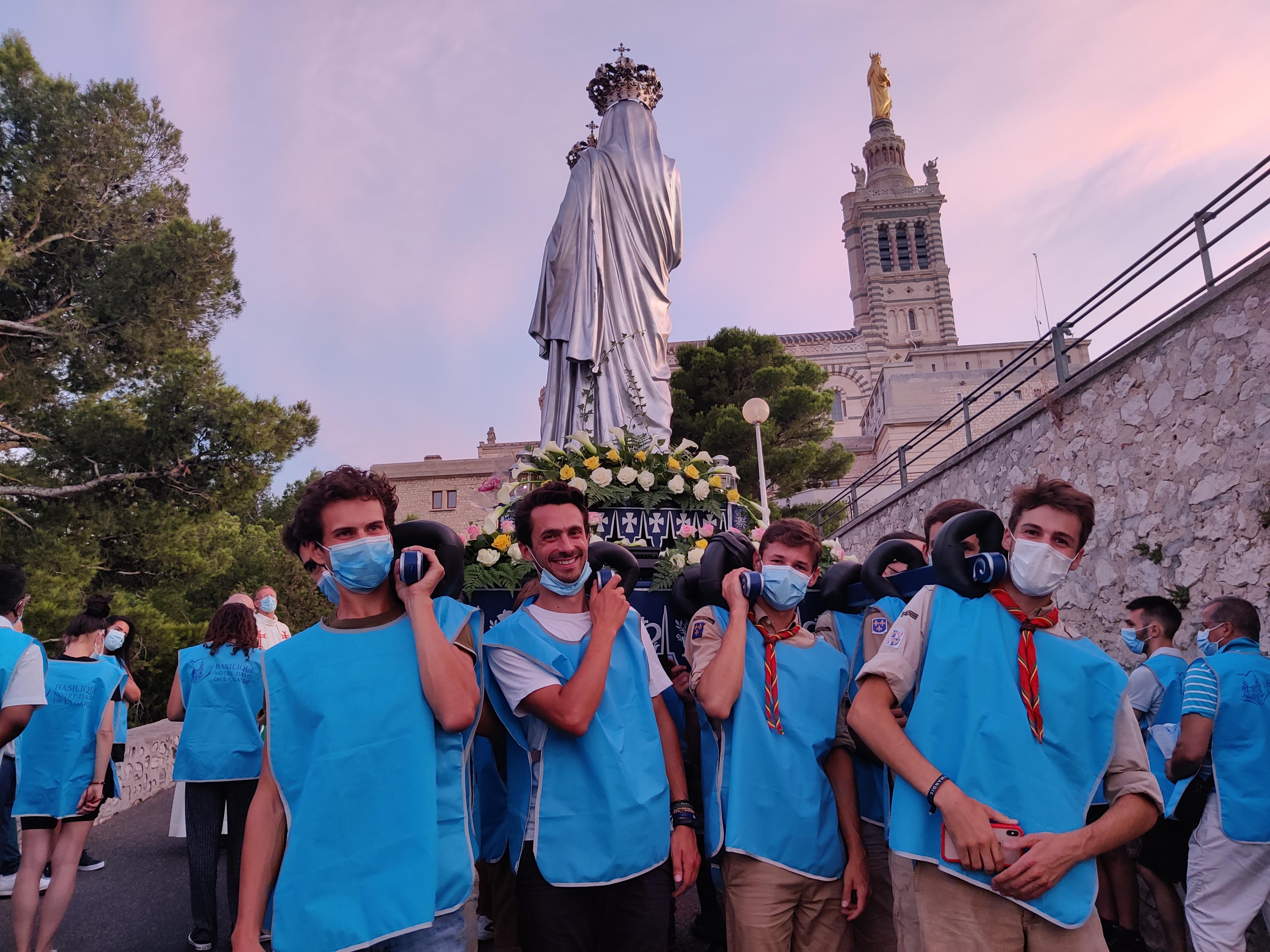 Procession Notre dame de la garde Romain Sion Marseille