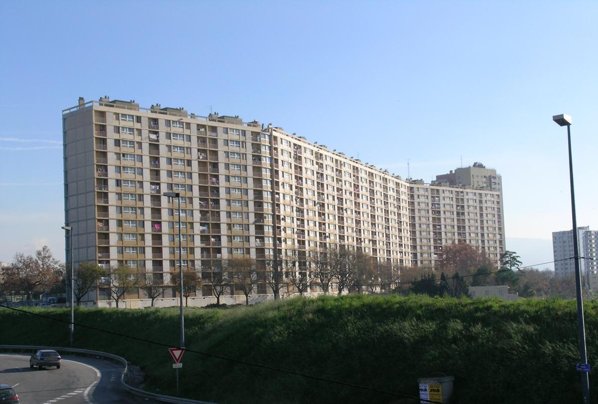 Les-Lauriers barre immeuble Marseille quartiers Nord