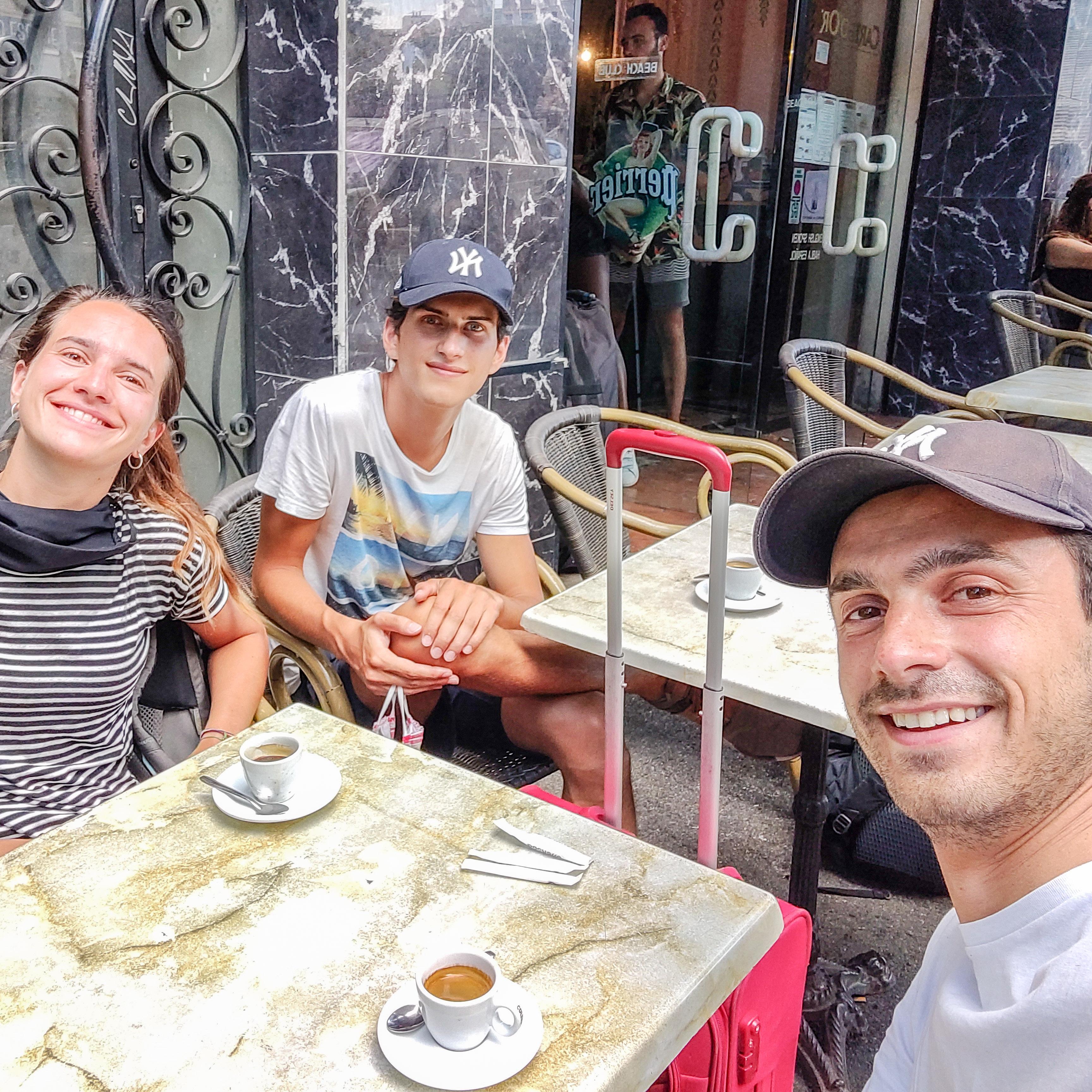 Petit café avant le début de la mission Massabielle quartiers Nord Marseille