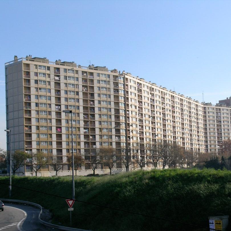 Barre d'immeubles de la cité des Lauriers - Marseille quartiers Nord