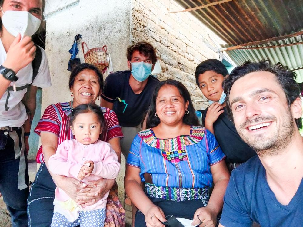 Hermina and her family San Juan Guatemala - Romain Sion
