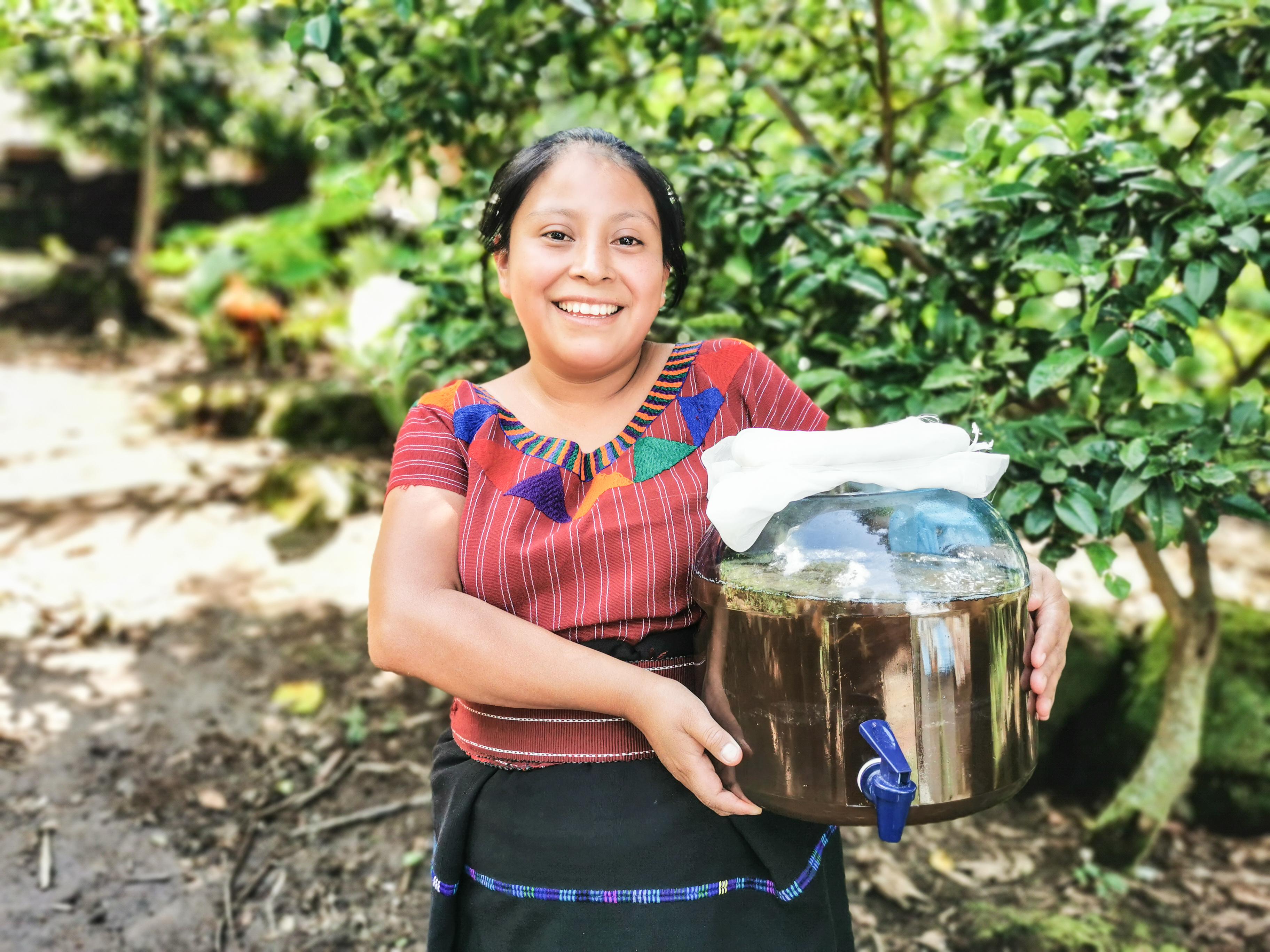 Ruth Los Amigos de Santa Cruz Guatemala
